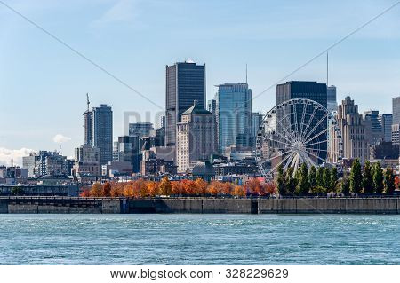 Montreal, Canada - 15 October 2019: Montreal Skyline From Parc Jean Drapeau, In The Autumn Season.