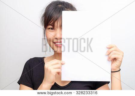 Portrait Of Beautiful Asian Women Hold Blank Paper