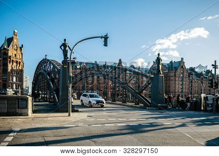 Hamburg, Germany - Mar 2018: People And Cars On The Iconic Brooksbrucke Bridge Over Zollkanal In Haf