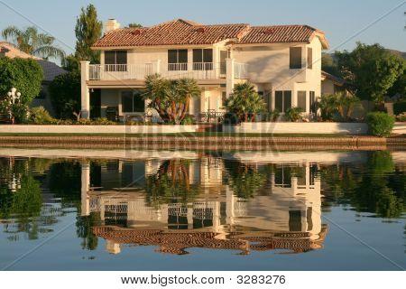 Executive House On Lake