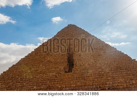 Great Pyramid Of Giza (also Known As The Pyramid Of Khufu Or The Pyramid Of Cheops) Is The Oldest An