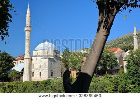 Koski Mehmed Pasha Mosque, Located Along The Neretva River, With The Minaret Of Nesuh Aga Vucjakovic