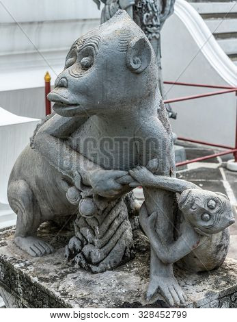 Bangkok City, Thailand - March 17, 2019: Monkey Mother And Offspring Statue At Bottom Of Temple Of D