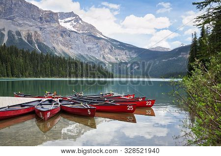 Famous Emerald Lake, Yoho National Park, British Columbia, Canada. Turquoise Water And Green Trees.