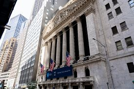 New York, United States Of America - September 19, 2019: Facade Of The Stock Exchange Buidling On Wa