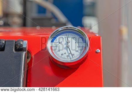 Temperature And Pressure Dual Measuring Gauge Device