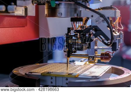Automatic Desktop Wire Bonder Machine Working In Demonstration Mode At Exhibition Or Trade Show - Cl