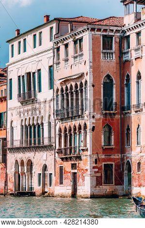 Palazzo Dolfin And Francesco Da Mosto House On Grand Canal, Venice, Italy