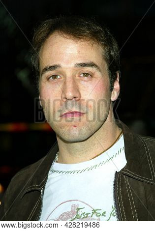 LOS ANGELES - APR 23: Jeremy Piven arrives to  the 'Identity' Hollywood Premiere on April 23, 2003 in Hollywood, CA