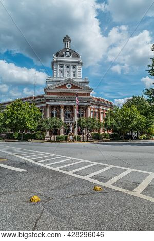 Madison, Georgia Usa - September 17, 2016  Morgan County Courthouse Located In The Town Square Of Ma