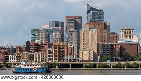Pittsburgh, Pennsylvania, Usa July 25, 2021 Part Of Downtown Pittsburgh Behind A Ship From The Gatew