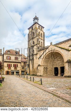 Beaulieu Sur Dordogne, France - June 23,2021 - View At The Church Of Saint Pierre In The Streets Of