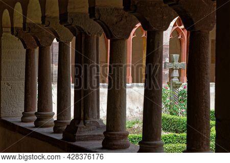Strasbourg, France, June 24, 2021 : Columns And Arches Of Saint-pierre-le-jeune Protestant Church Cl
