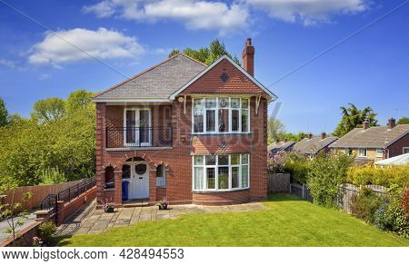 Traditional English detached house with garden