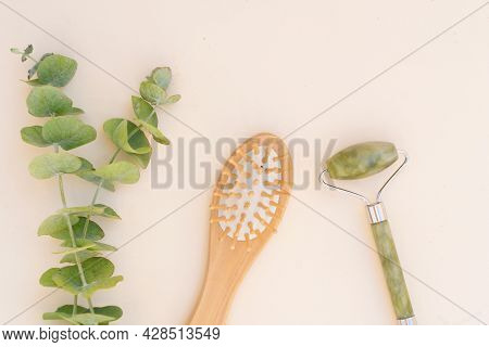 Gua Sha, Face Massage Green Jade Roller Made Of Natural Stone With Natural Eucaliptus, Meditation An
