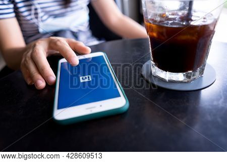 Chiang Mai, Thailand, August 1, 2021: Unemployed People Using Linkedin Apps To Create A Profile For