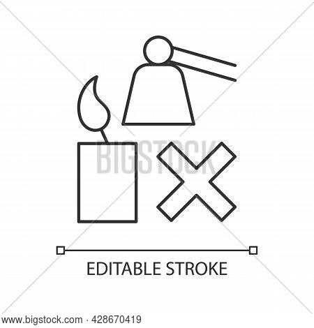 Extinguishing Flickering Candle Linear Manual Label Icon. Thin Line Customizable Illustration. Conto