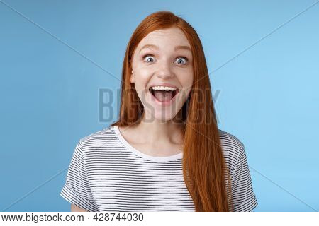 Surprised Pleased Happy Impressed Redhead European Girl 20s Reacting Amused Wide Eyes Look Admiratio