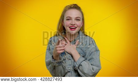 Amused Teen Stylish Girl In Denim Jacket Pointing Finger To Camera, Laughing Out Loud, Taunting Maki