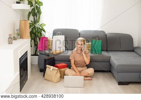 Woman Shopaholic Buy Bags Bargains Use Computer Credit Card To Pay Easy Adore Her Purchases In Comfo