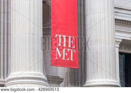 New York, Usa - May 15, 2019: Parts Of The Exterior Facade Of The Metropolitan Museum With The Met S