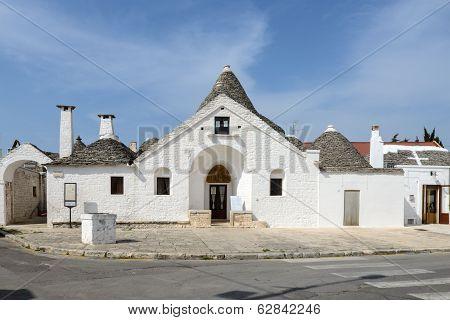 Trullo Sovrano, Alberobello (italy)