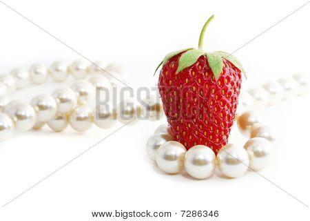 Strawberriy And Pearl