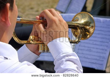 Trumpets player