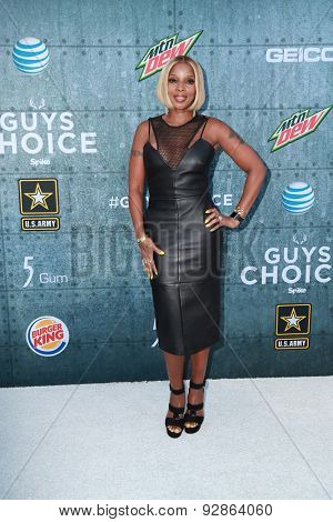 LOS ANGELES - JUN 6:  Mary J. Blige at the Guys Choice Awards 2015 at the Culver City on June 6, 2015 in Sony Studios, CA