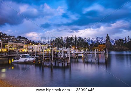 beautiful scenic of lake wakatipu queenstown south island new zealand important traveling destination