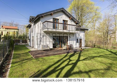 Big One Storey House With Garden
