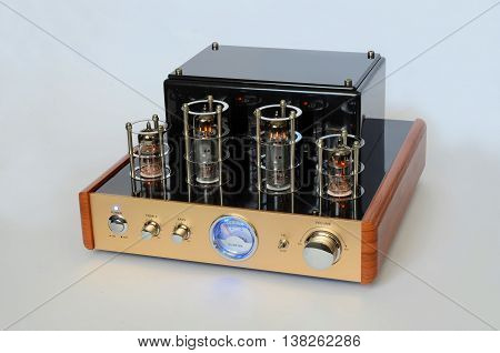 Retro Hi Fi Stereo Vacuum Tube amplifier