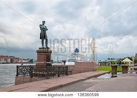 SAINT - PETERSBURG, RUSSIA - JULY 13, 2016: Vasilyevsky Island. Ivan Krusenstern (Russian admiral and explorer) Sculpture on Lieutenant Schmidt Embankment next to The Neva River