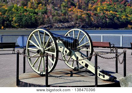 Cold Spring NY - October 17 2014: A World War I Parrot Gun at the Town Pier overlooking the Hudson River *