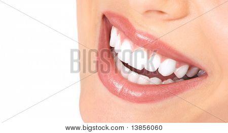 Gesunde Frau Zähne und Lächeln. Hautnah.