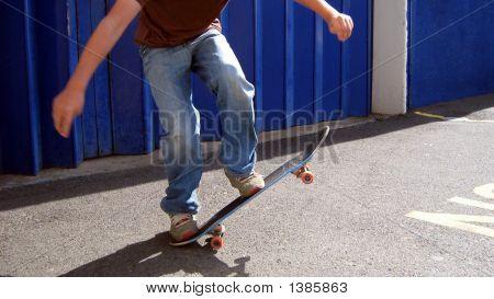 Skating/Skateboarding