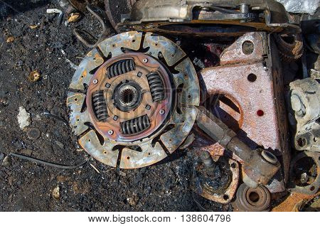 Useless, worn out rusty clutch discs and other parts