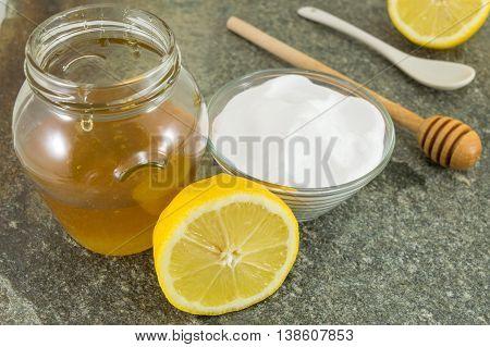 Diet Recipe: Baking Soda, Lemon And Honey
