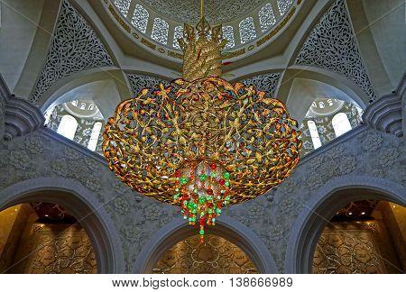 ABU-DHABI, UAE -16 MARCH: Big lamp in Sheikh Zayed, the big mosque in Abu Dhabi, UAE 16 MArch 2016.