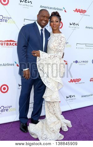 LOS ANGELES - JUL 16:  Rodney Peete, Holly Robinson Peete at the HollyRod Presents 18th Annual DesignCare at the Sugar Ray Leonard's Estate on July 16, 2016 in Pacific Palisades, CA