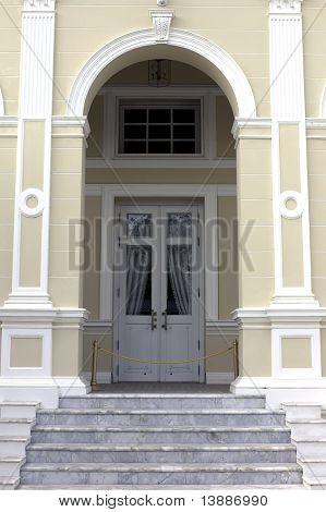 VIP door