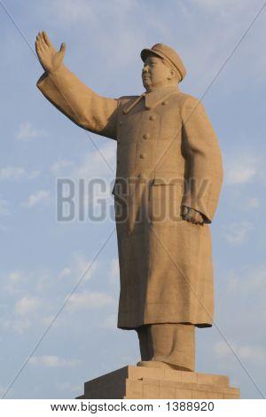 Mao Statue