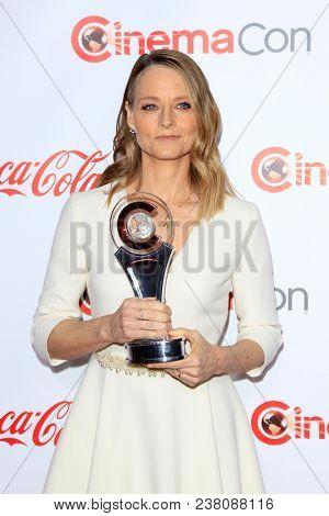 LAS VEGAS - APR 26:  Jodie Foster at the 2018 CinemaCon - Awards Gala at Caesars Palace on April 26, 2018 in Las Vegas, NV