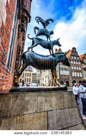 BREMEN, GERMANY - 10 OCTOBER 2017: Famous statue of the four Bremen musicians on the market place, Germany, created by Gerhard Marcks in 1953.