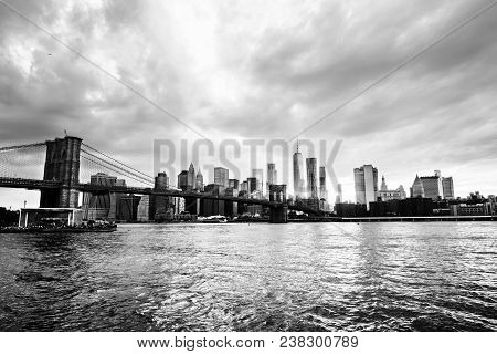 New York, Usa. View Of Manhattan Bridge And Manhattan In New York, Usa At Sunset. Colorful Cloudy Sk