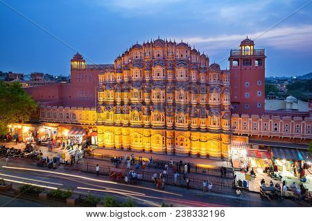 Hawa Mahal On Evening, Jaipur, Rajasthan, India. An Unesco World Herritage. Beautiful Window Archite