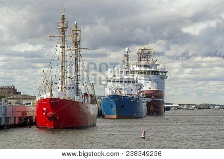 New Bedford, Massachusetts, Usa - April 26, 2018: (left To Right) Decommissioned Nantucket Lightship