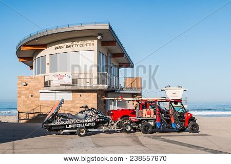 Encinitas, California - April 14, 2018:  The Marine Safety Center At Moonlight State Beach With Emer