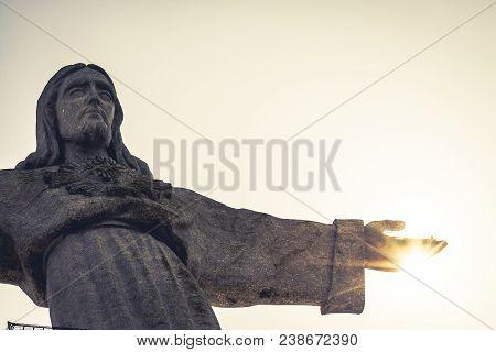 Jesus Christ Monument In Lisbon - Portugal Europe .
