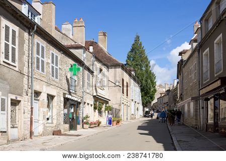 Vezelay, France - September 13, 2010: The Main Street In Vezelay Abbey In France. Vezelay Is A Commu